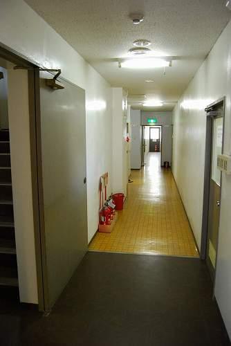 ダイハツ社員寮「パリオ花屋敷」未改装部分