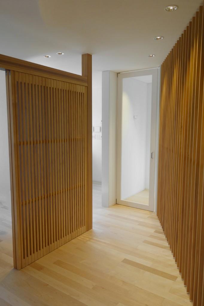 ハードメープル床材と杉の建具