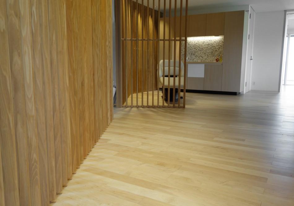 ハードメープル床材の美容室